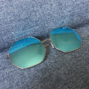 QUAY Australia Kiss & Tell Silver/Blue Sunglasses